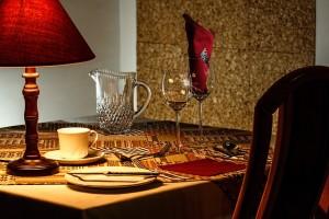Ürün ve katalog Ürün ve katalog çekimi - dinner table 444434 640 300x200 - Ürün ve katalog çekimi